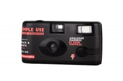 Lomography Simple Use Film Camera_Black_White_quarter left-500-